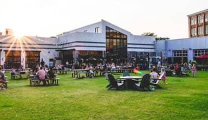 COVID-19: Goose Island Brewhouse Closes In Philadelphia