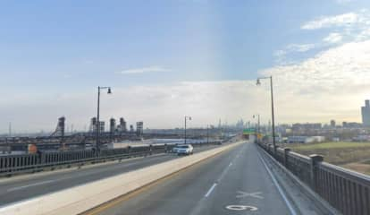 Possible Bomb Threat Temporarily Closes Pulaski Skyway In Jersey City