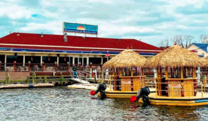 Best Places To Grab Drinks Outside On Jersey Shore