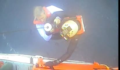 WATCH: Coast Guard, Good Samaritan Rescue 6 Jersey Shore Boaters