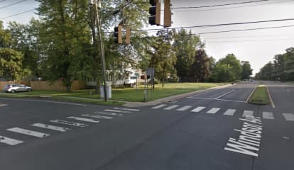 Two Killed In Crash At Busy Intersection In Connecticut