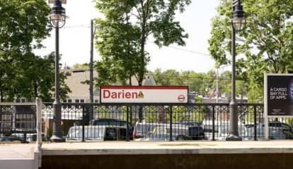 Man Falls From Train Platform In Darien