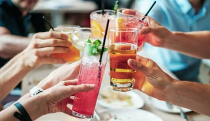 COVID-19: Dining Out Linked To Infections, New CDC Report Says