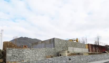 Wall Around New Development In New Canaan Sparks Controversy