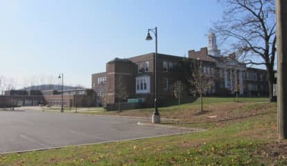 Security Added For Middle School In Hudson Valley After Student Threat