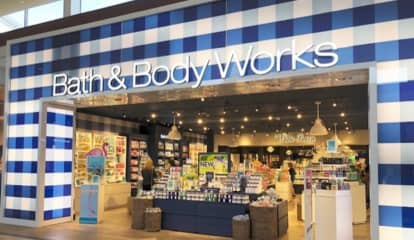 Bath & Body Works Opens New Store At Smith Haven Mall