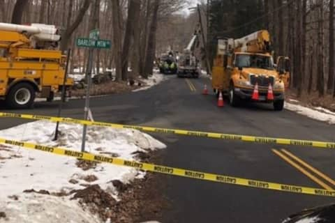 Hit-Run SUV Driver On Loose: Motorist With NY Plates Crashes Into Utility Pole In Ridgefield