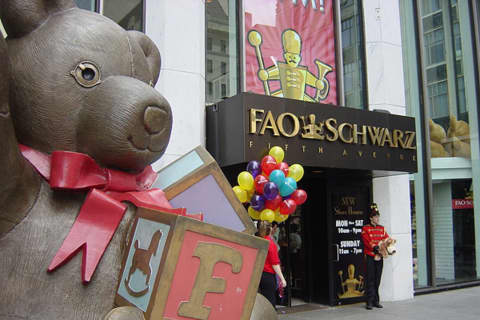 Dance-On Piano Is Back: FAO Schwarz Sets Flagship Rockefeller Plaza Opening Date