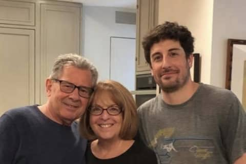 Hasbrouck Heights Native Jason Biggs Stars In Parenting Show (And His Mom Is Super Proud)