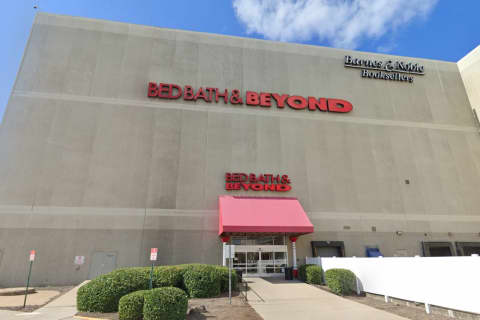COVID-19: Bed, Bath & Beyond Closes Palisades Center Store