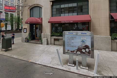 COVID-19: Indoor Diners Must Show Proof Of Being Vaccinated, NY Restaurant Group Says
