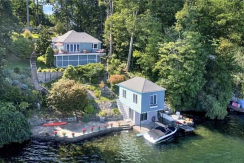 Ex-Yankees Manager Joe Torre Sells Lake House In Area