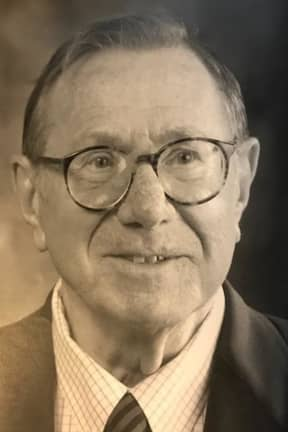 Lifelong GE Marketing, Ad Manager Karl L. Koss Of Southport, 91, Was An Accomplished Pianist