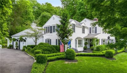 Here's How Much Sandra Lee Lists Northern Westchester Home She Shares With Cuomo