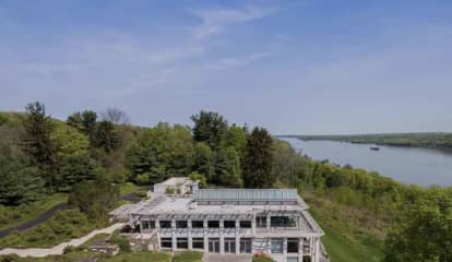 20-Acre Ulster County Estate Overlooking Hudson River Hits Market