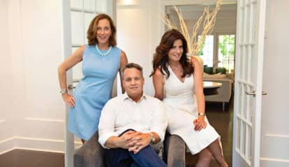 Douglas Elliman Honors Top-Performing Agents Of 2020, Announces Winners Of Annual Ellie Awards