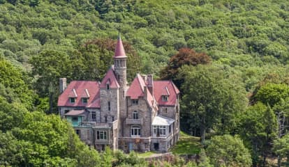 Wizard Of Oz-Inspired Castle Hits Market In Hudson Valley