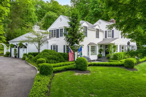 Price slashed on Gov. Andrew Cuomo's Westchester home