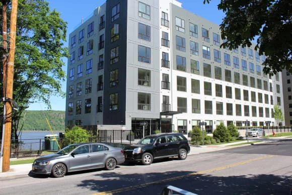 Stratus on Hudson apartment building opens in Yonkers