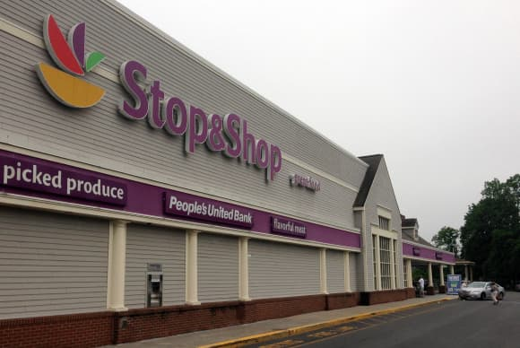Stop & Shop promotion allows customers to fund schools