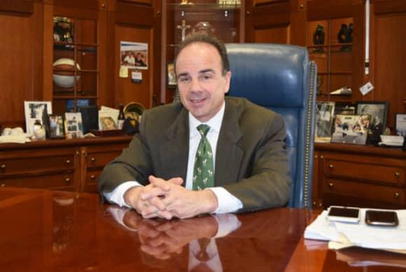 Bridgeport Mayor Ganim denounces former ally Trump as 'unfit' to serve