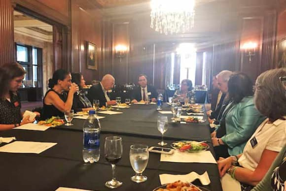 'Dinner and Dialogue' for midsize businesses debuts at Manhattanville College