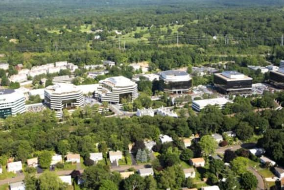 """Frontier's move to Merritt 7 Corporate Park named """"2015 Lease of the Year"""""""