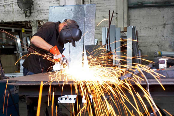 CT Labor Department expanding manufacturing job placement program with $10M from state