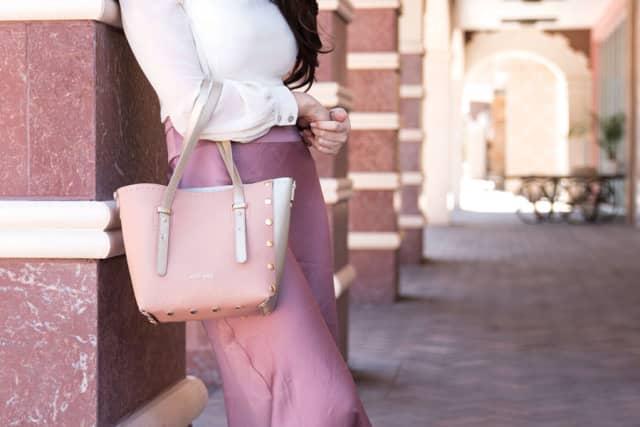 The author's Pop Bag in pink. Courtesy Margaret Pattilo.