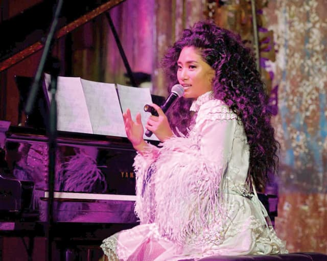 Chloe Flower, wearing Marc Jacobs Collection, performing in New York City.