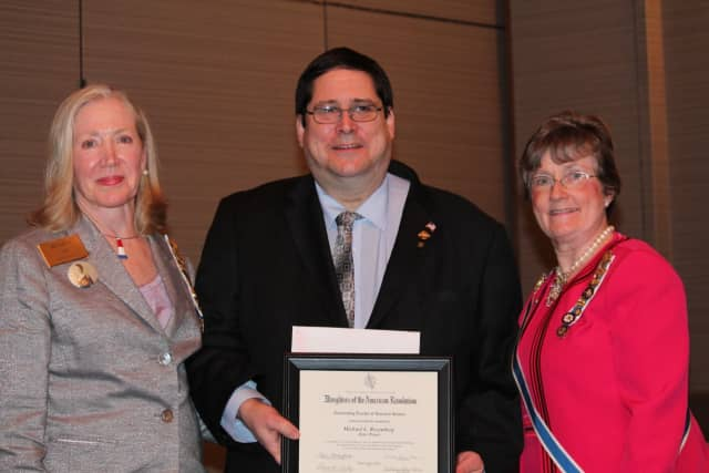 Hillsdale teacher Michael Rosenberg won the 2016 NSDAR New Jersey State Outstanding Teacher of American History Award.