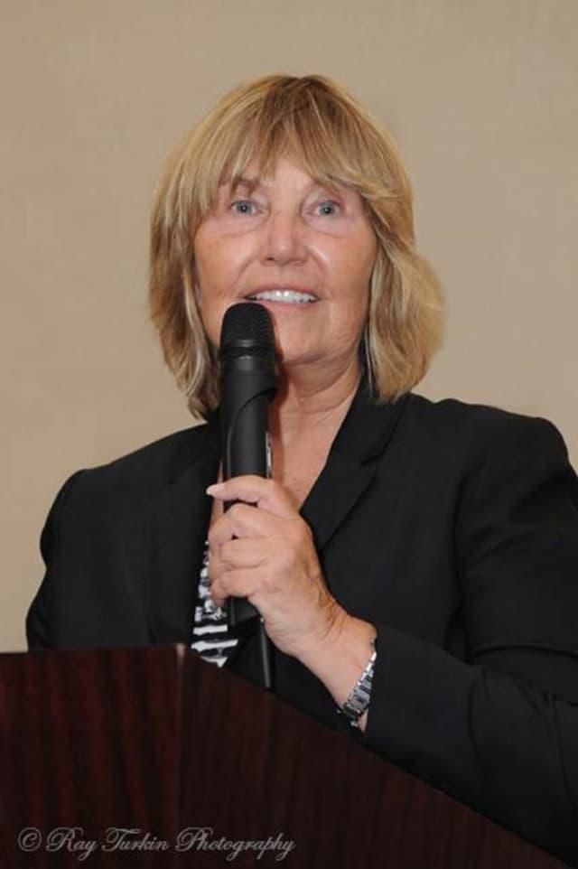 Teaneck Schools Supt. Barbara Pinsak will retire Sept. 1.