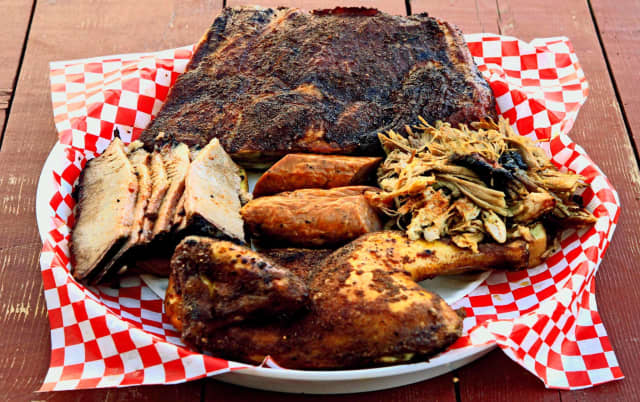 Swingbellys Beachside BBQ in Long Beach