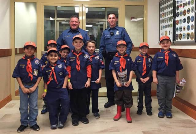 Wanaque Lt. Angelo Calabro, Officer Louie Montegari with Tiger Den 7 of Pack 132.