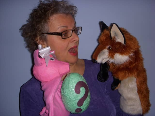 """La Cucaracha Martina"" will be performed by Diane Koszarski of Pink Flamingo Puppets on Sunday, Oct. 18, at 2 p.m. at the Teaneck Public Library."