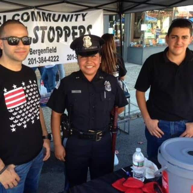 Bergenfield-Englewood-Teaneck-Hackensack Crime Stoppers organize Blue Moon Cafe fundraiser.