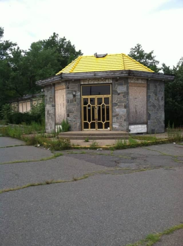 The Forum Diner in Paramus has been demolished.