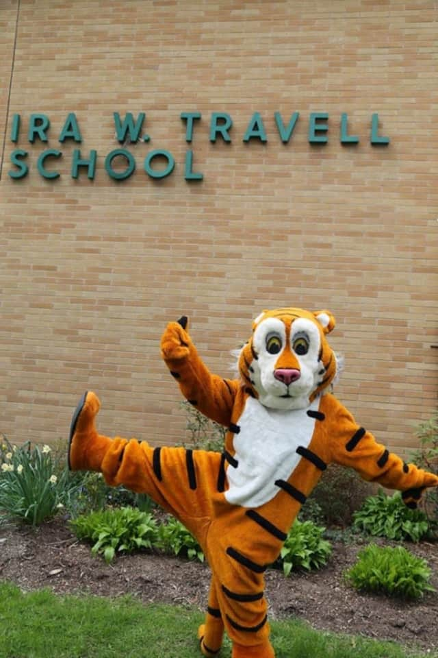 Travell Elementary School is looking for alumni to attend the school's 50th anniversary celebration.