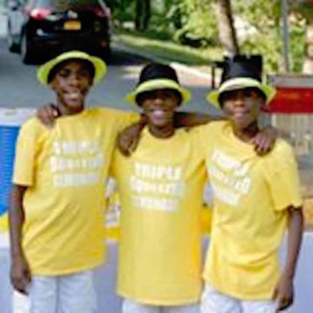 The Shorte triplets are offering a $1,000 scholarship to a business student with funds they raised at the lemonade stand last summer.