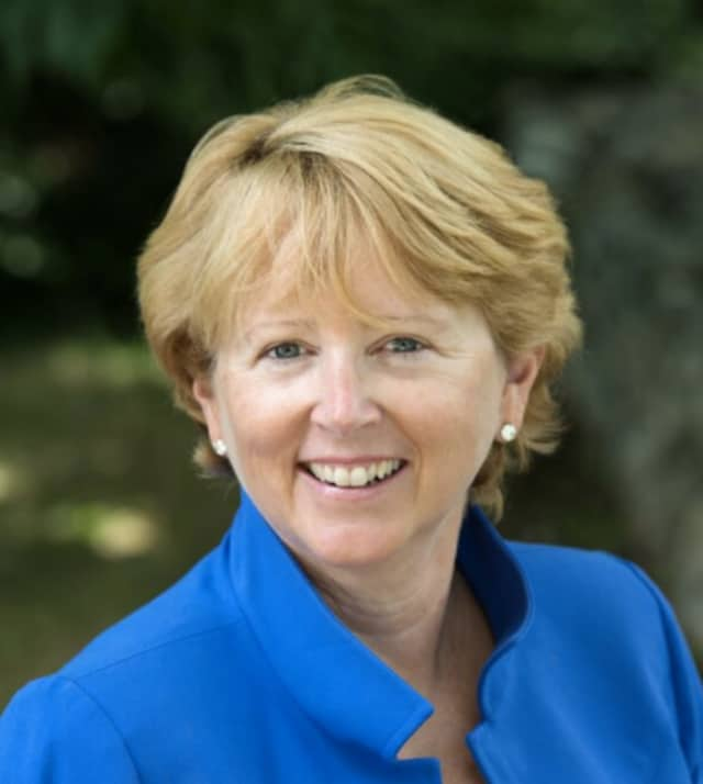 Wilton First Selectman nominee, Lynne Vanderslice, is receiving State Senator Toni Boucher's vote.