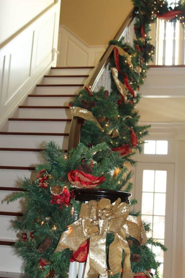 The Ridgefield Holiday House Tour is looking for guides and parking attendant volunteers.