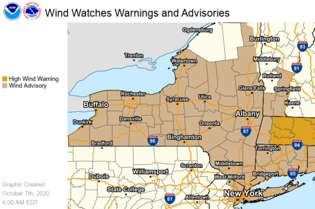 A look at areas where wind advisories and high wind warnings are in effect.