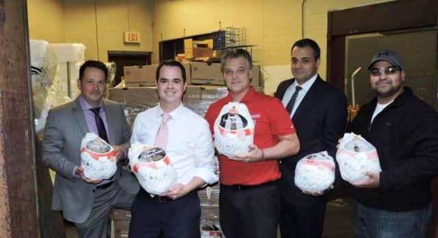 Sen. David Carlucci along with members of from the Veterans Angels Association provided dinner to more than 100 veterans last year.