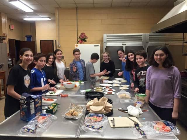 Temple Beth El is hosting a potluck Shabbat dinner Friday evening.