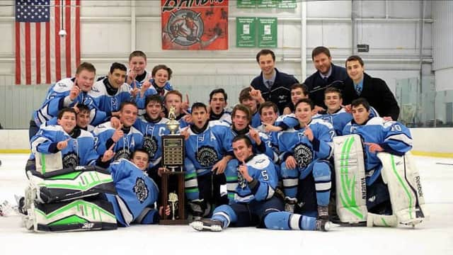 The Wayne Valley ice hockey team with the Mayor's Cup.