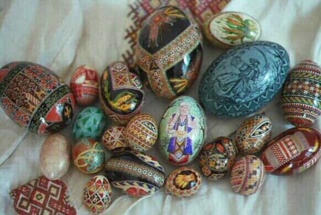 The Mahwah Public Library will offer a workshop on Ukrainian egg decorating March 19.