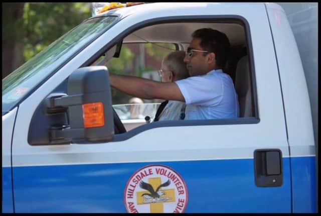 A June 18 beefsteak dinner will aid the Hillsdale Volunteer Ambulance Service.