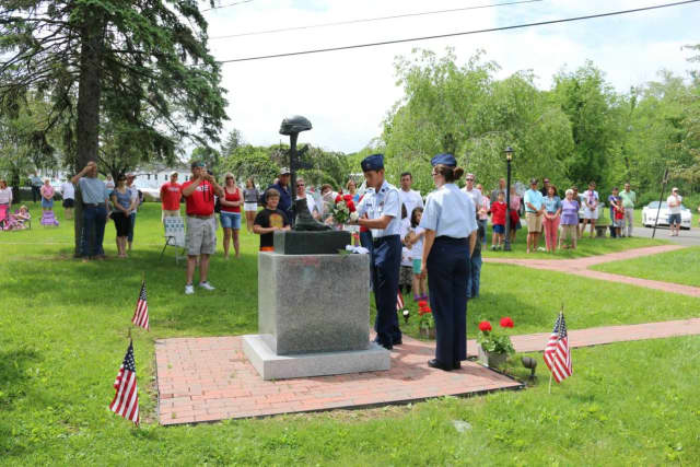 New Fairfield pays tribute to fallen soldiers in a community gathering Monday for Memorial Day.