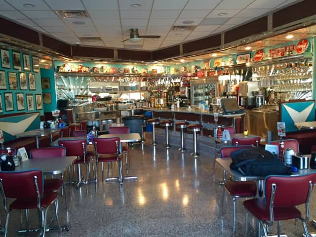 The newly opened Bronxville Diner offers a varied menu and a 1950s vintage atmosphere, News 12 Hudson Valley said.