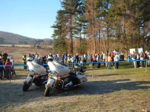 Organizers hope for another sunny Thanksgiving day when the seventh annual Officer Donald J. Hassiak Memorial Turkey Trot will be held Tarrywile Park in Danbury.